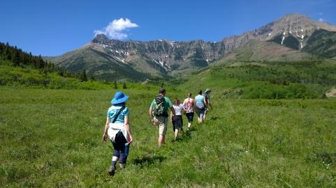 Hiking on Horseshoe Basin Trail