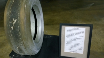 A-12 (Blackbird) tire after only 3 landings - Need to handle 800 F