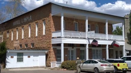 Hotel Limpia Fort Davis