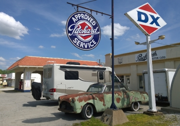 D-X Gas Station - Afton