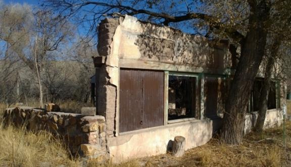 Hillsboro - Adobe wall ruin