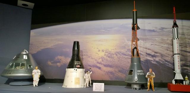 NASA program - Mercury (Right) through Apollo (Left)