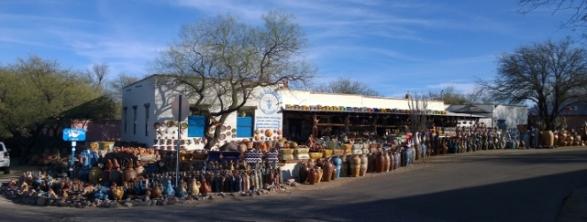 La Paloma de Tubac market place