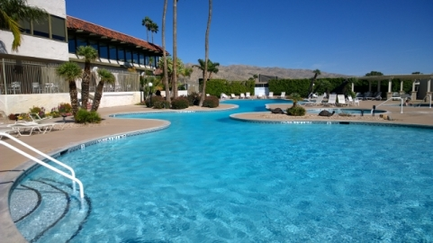 Mission Lakes Country Club Pool