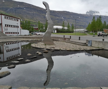 Statue in the shape of Seydisfjordur