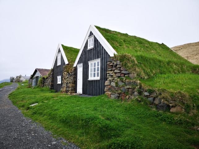 Sel farmhouses