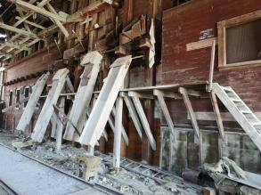 Ore loading chutes
