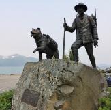 Iditarod statue