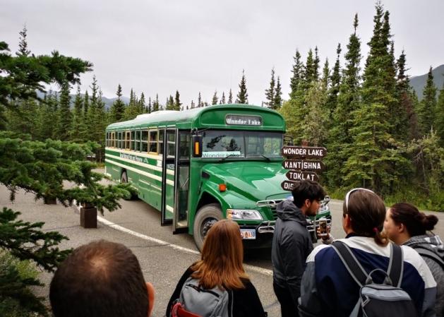 Wonder Lake Green bus
