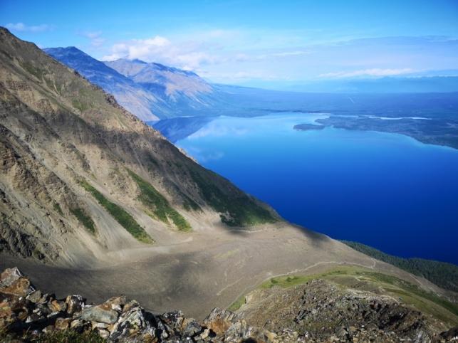 Summit trail follows a ridge with a very steep drop off