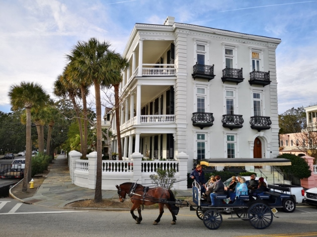 Carriage touring by Battery Point mansions