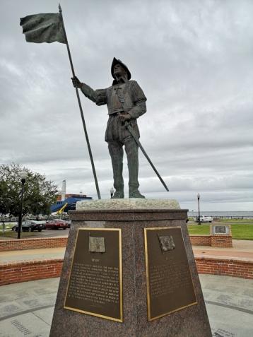 Statue of Tristan de Luna who settled Pensacola in 1559